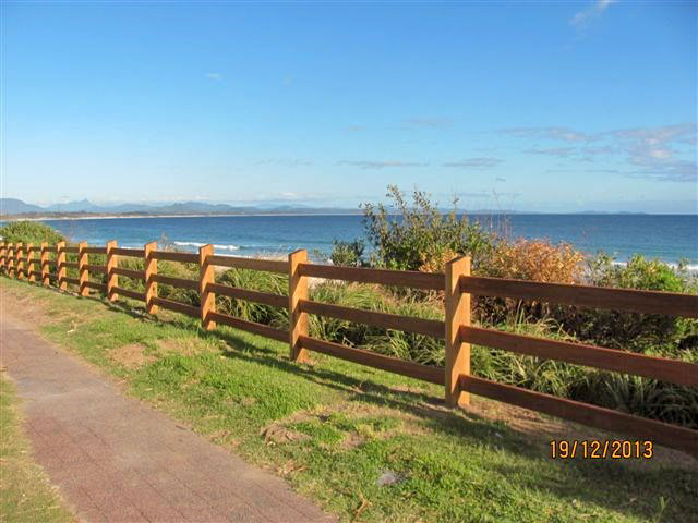 Outdoor Structures Australia - Three Rail 'Heavy Duty' Post & Rail fence